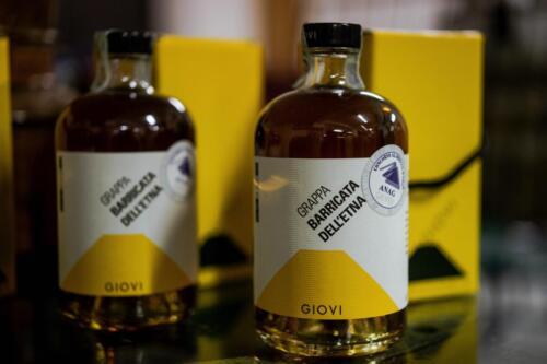 GIG00379-distilleria-giovi-valdina-messina-distillati-etna-vodka-london-dry-gin-vigneti-vigna-rifugio