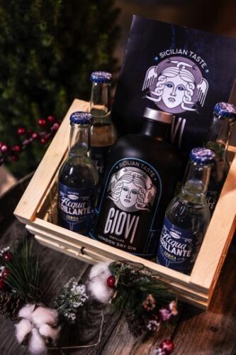GIG09386-distilleria-giovi-valdina-messina-distillati-etna-vodka-london-dry-gin-vigneti-vigna-rifugio
