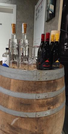 IMG_20191223_184959_510-giovi-distilleria-galleria-bottiglie-botti-vino-grappa-acqueviti-sicilia-vodka