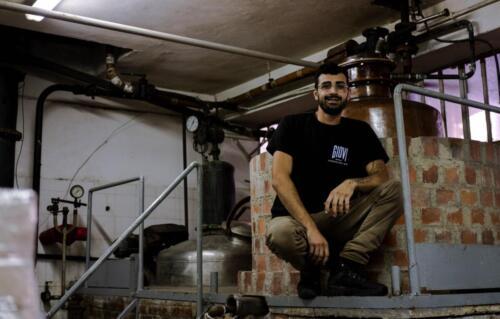 GIG00116-distilleria-giovi-valdina-messina-distillati-etna-vodka-london-dry-gin-vigneti-vigna-rifugio